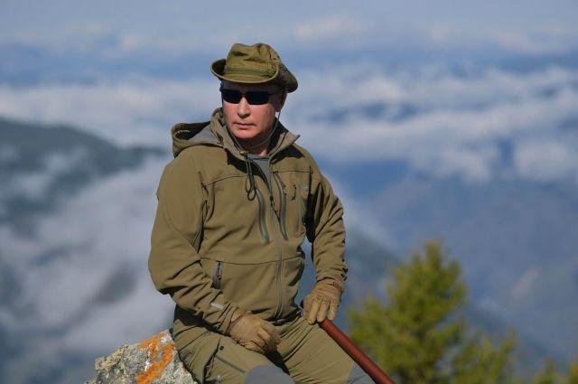 Песков рассказал, почему Путин предпочитает отдыхать в России