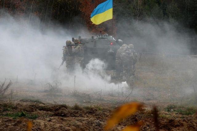 ДНР: украинские силовики стянули технику в район разведения сил