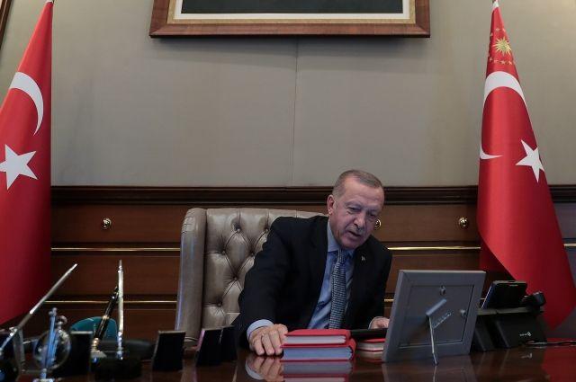 Эрдоган: при обстрелах Турции с территории Сирии погибли 18 человек