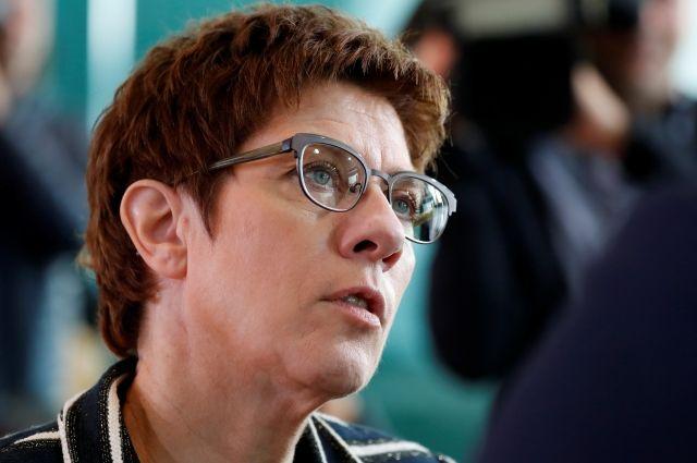 Преемница Меркель озвучила свою позицию по возвращению Крыма в состав РФ