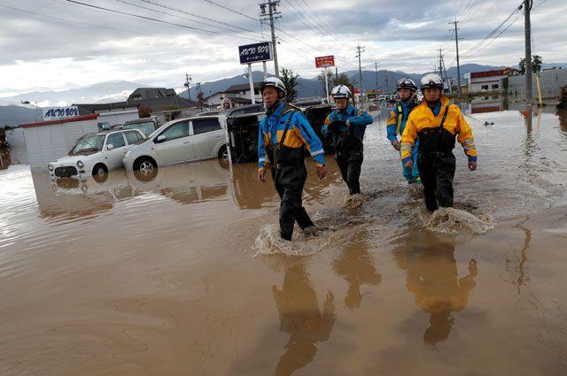 В Японии около 100 тысяч зданий остаются без света после тайфуна