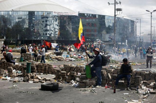 Власти Эквадора решили аннулировать указ об отмене субсидий на топливо