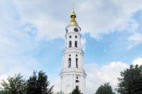 Колокольню построили на средства фабриканта Кокушкина в честь победы в войне с Наполеоном