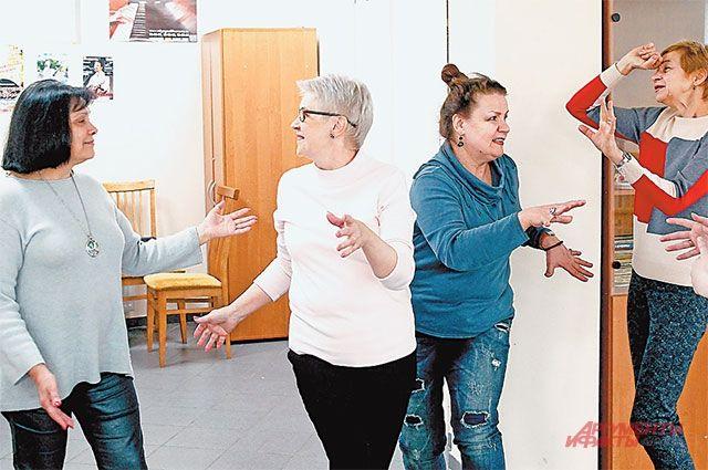 Артистический состав студии «Московский театрал» вживается в новые роли.