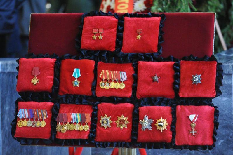 Награды летчика-космонавта СССР, дважды Героя Советского Союза генерал-майора авиации Алексея Леонова.