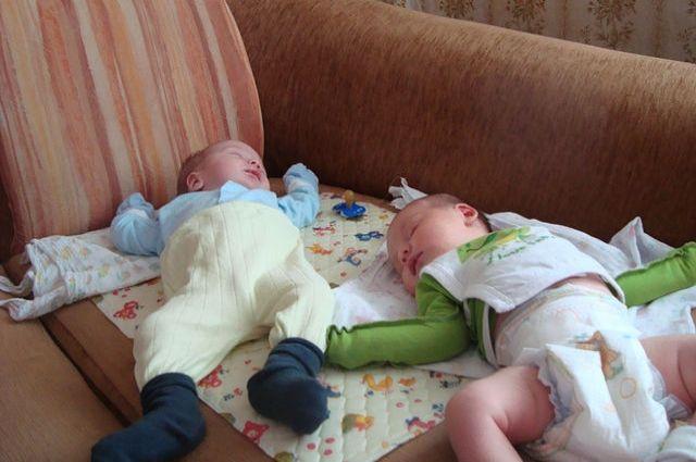 Деньги пойдут, в том числе, на выплаты в связи с рождением первого ребенка.