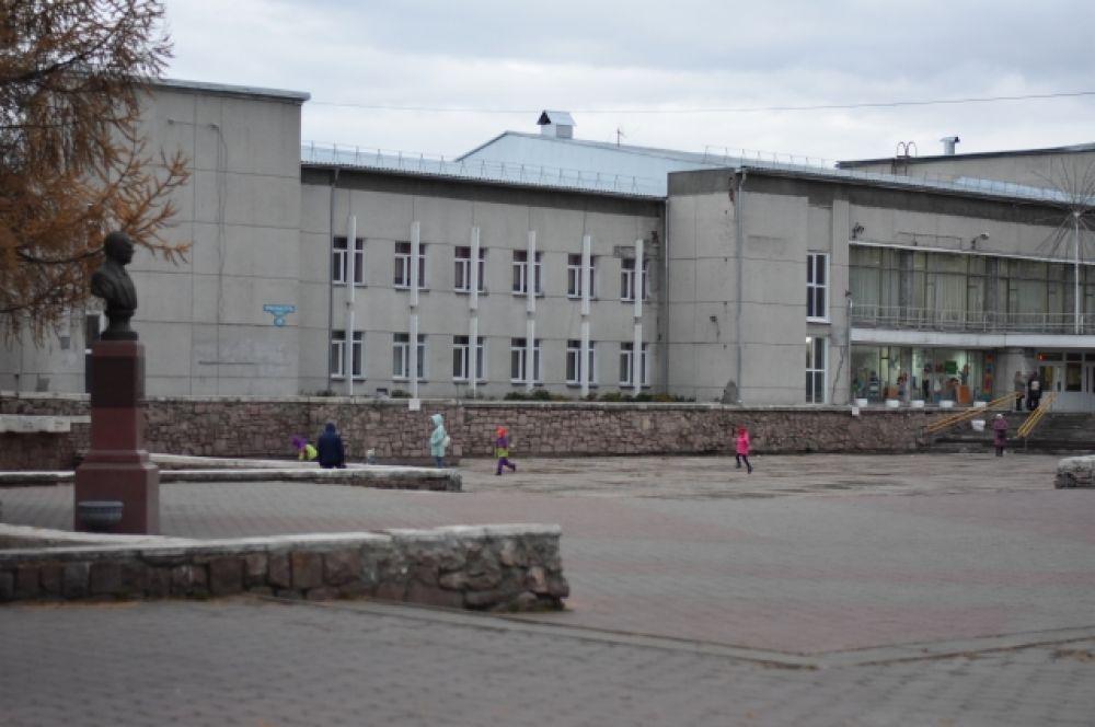 Дом пионеров основали в 1936 году. В 1956 его переименовали в Дворец творчества. В 1977 году педагоги и воспитанники отпраздновали новоселье в новом здании, подаренном городской администрацией.