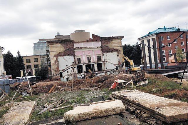 Отремонтировать библиотеку планировали ещё в 2015 году.
