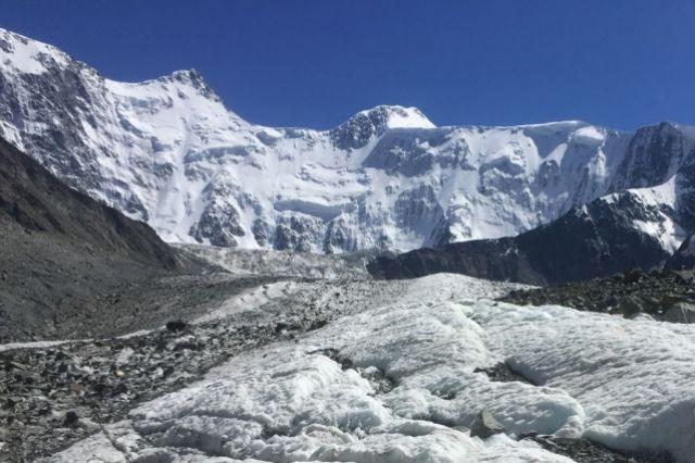 Белуха, вид с ледника.