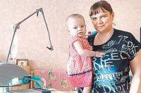 Уже второй день рождения Аня Струкова встречает в октябре на руках у мамы.