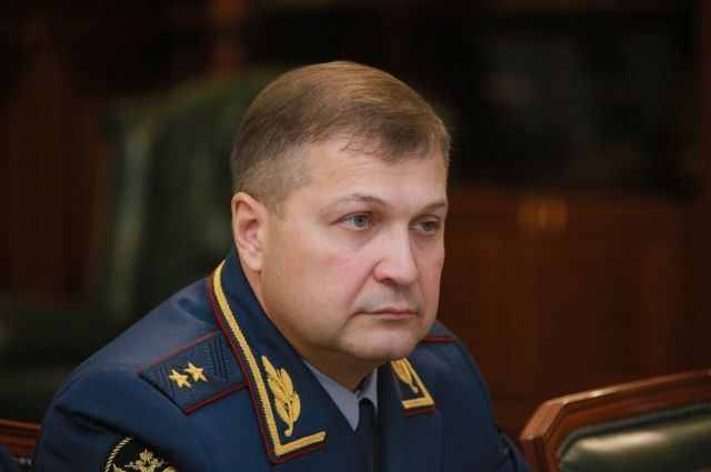 Константин Березнев родился в 1969 году в поселке Троицкое Алтайского края.
