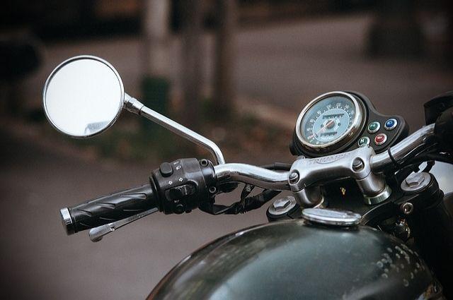 Мотоциклистов, гоняющих на одном колесе в Тюмени, могут оштрафовать