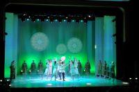 15 октября в академическом театре драмы имени В. Савина Северный Кавказ торжественно передал Сыктывкару символ марафона.
