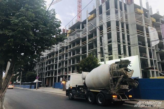 Строительство жилья в городе идёт активно. Поэтому популярностью пользуются новые квартиры, а не вторички.