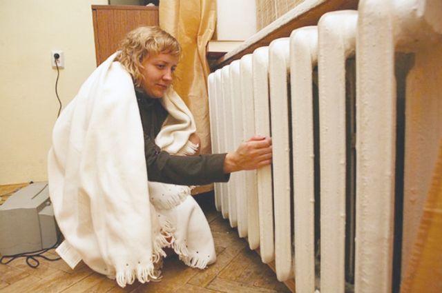 В посёлке Железнодорожный Ивановского района люди до сих пор сидят в холоде. На конец прошедшей недели отопительный сезон там не начинался вообще