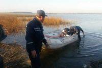 На Волыни пятый день ищут чиновника, перевернувшегося на лодке в озере: подробности поисков