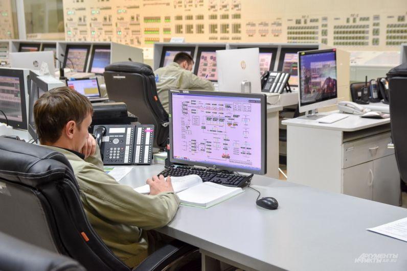 Блочный щит управления - мозг реактора.