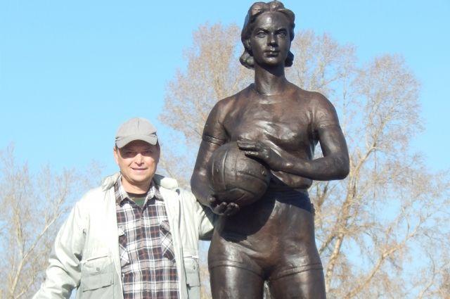 Алексей Михайлов считает парк в Салаире пустой тратой денег.