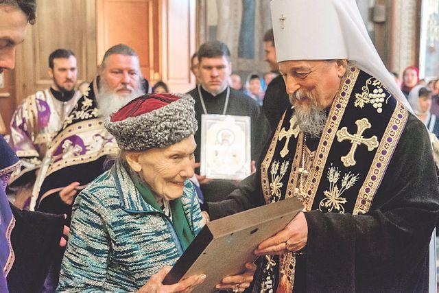 Княгиня Ольга Николаевна Куликовская-Романова помолилась у мощей Святителя Иоасафа.