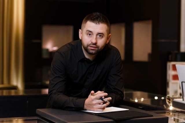 «Слуга народа» обсудит минские переговоры на специальном заседании фракции