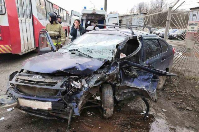 В Ижевске в массовой аварии пострадали беременная женщина и ребенок