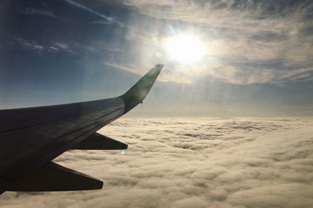 На Аляске самолет при посадке выкатился за пределы взлетной полосы