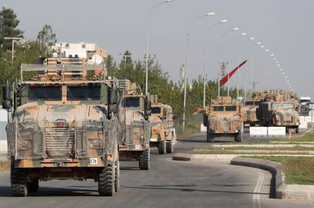 Армия Сирии перебрасывает артиллерию к границе с Турцией