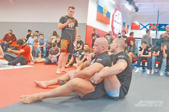 Открытые мастер-классы с участием спортсменов мирового класса  на Новочерёмушкинской проходят регулярно.