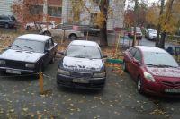 Все автомобили-участники ДТП были на летней резине, несмотря на то, что сегодня уже выпал первый снег.