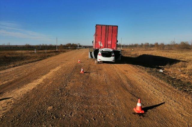 В Первомайском р-не в ДТП с грузовиком погиб человек.
