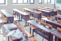 Родителям школьницы предложили забрать документы