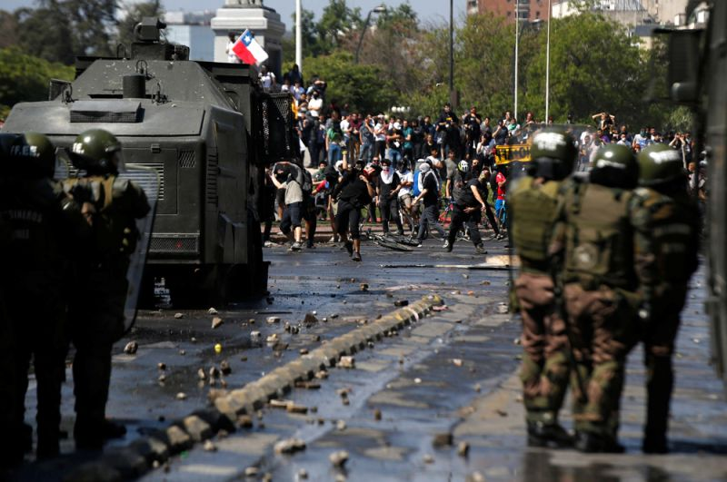 Массовые беспорядки в Сантьяго.