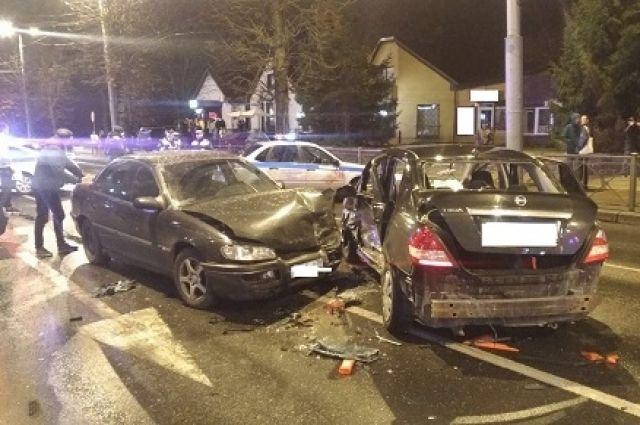 В ночном ДТП в Калининграде пострадали 4 человека