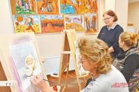 Участники кружка признаются: схорошим преподавателем учиться рисовать легко.