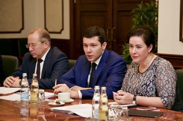 Антон Алиханов обсудил с министром транспорта ремонт дорог в области