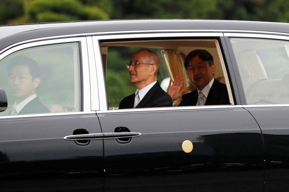 Император Японии Нарухито после официального вступления на престол.