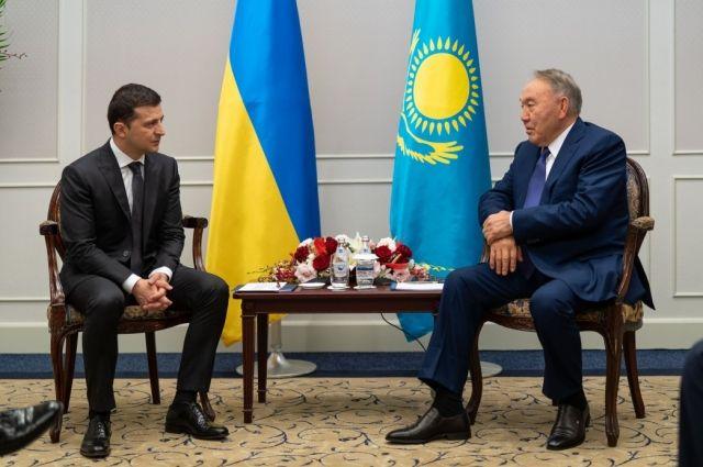 «Обсуждали Донбасс»: Зеленский встретился с бывшим президентом Казахстана
