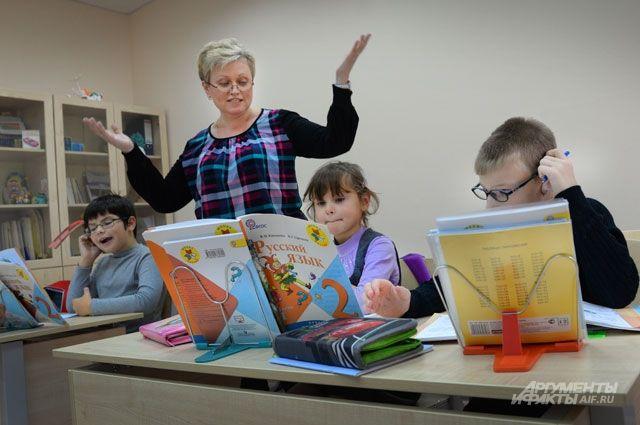 Сегодня в московских школах работают 55 тыс. учителей.