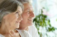 37% пожилых ощущают себя счастливыми.