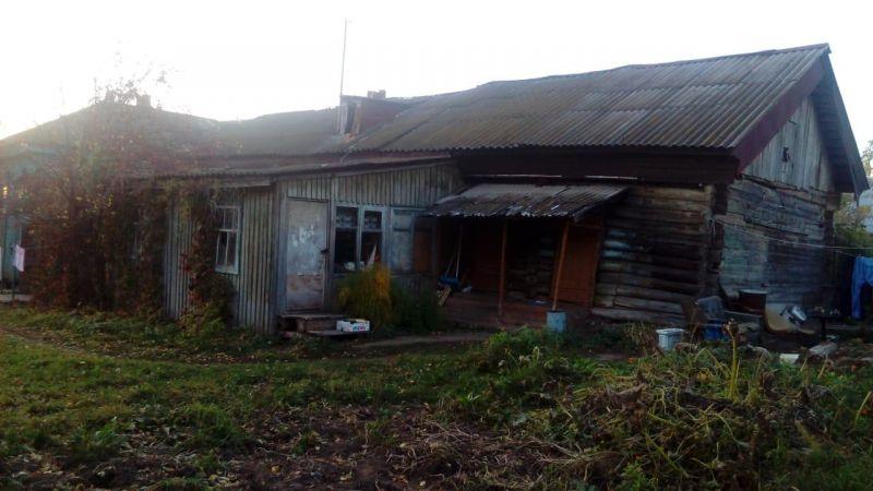 Так дом выглядит с другой стороны.
