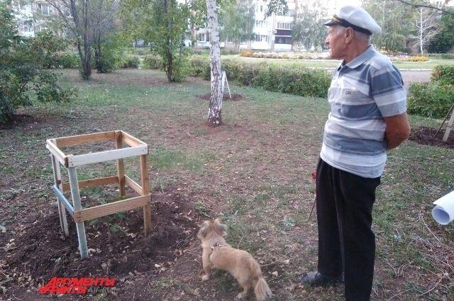 Владимир Иннокентьевич оценивает результат своих трудов.