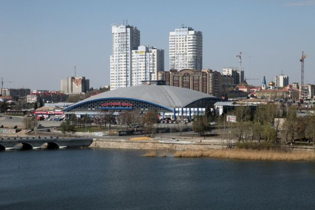 Культовое здание Челябинска застыло в советском прошлом.