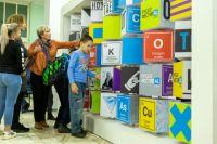 Школьники, их родители и учителя посещали инженерные мастер-классы.