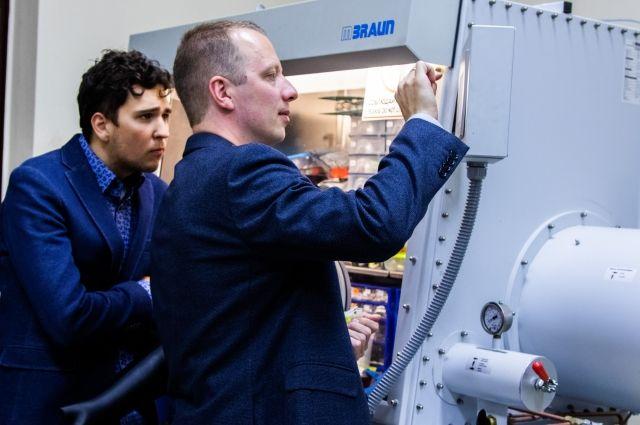 Химики МГУ создали эффективный материал для натрий-ионных аккумуляторов photo
