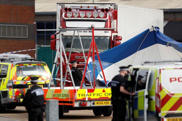 В сети появилось видео с места обнаружения грузовика с 39 трупами в Англии photo
