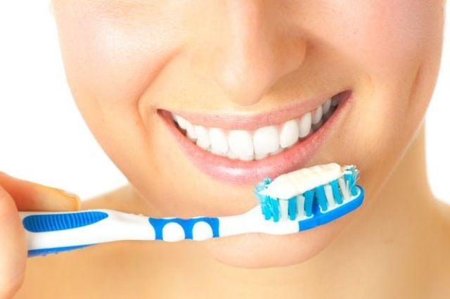 Не в щетке дело. Почему чистить зубы - опасно