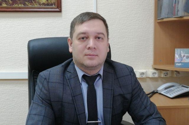 Общий трудовой стаж Максима Владимировича составляет почти 17 лет.