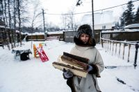 В XXI в. для многих жителей российских деревень и малых городов недоступной роскошью оказываются... дрова.