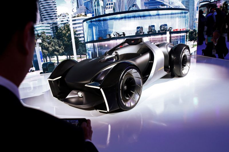 Концепт-кар Toyota e-Racer.