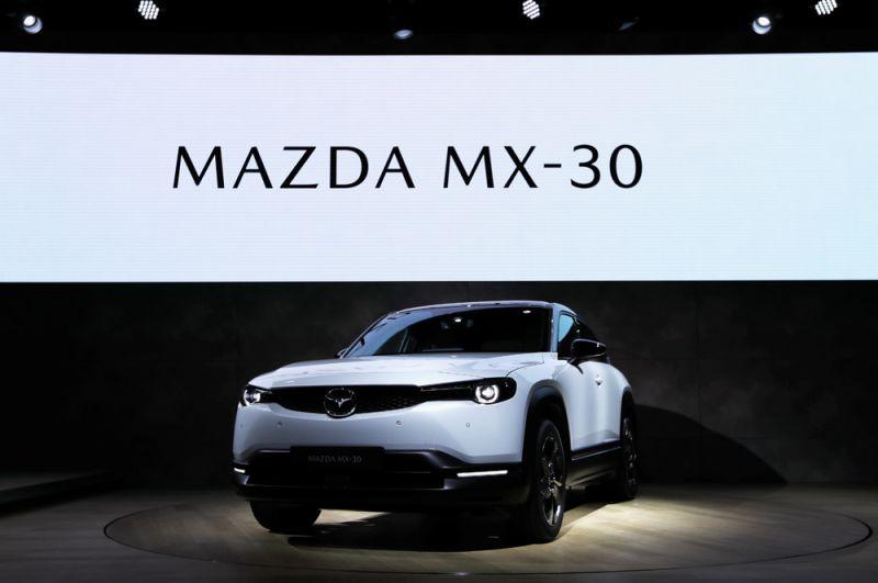 Электромобиль Mazda MX-30.